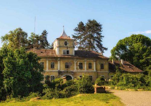 Bilje,dvorac-Savojski-1